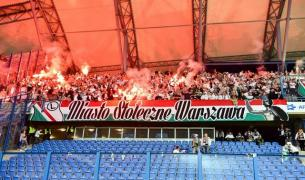 Legia ultras attacked their own palyers after defeat in Poznan
