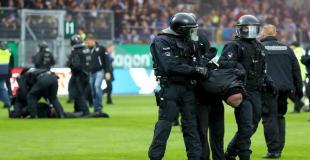 Riots: Holsten Kiel - St. Pauli 19.09.2017