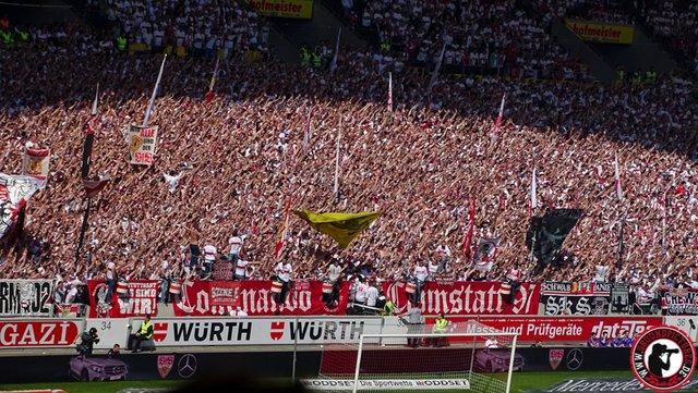 pretty nice e9349 a6c77 VfB Stuttgart 1893 - Karlsruher SC 09.04.2017